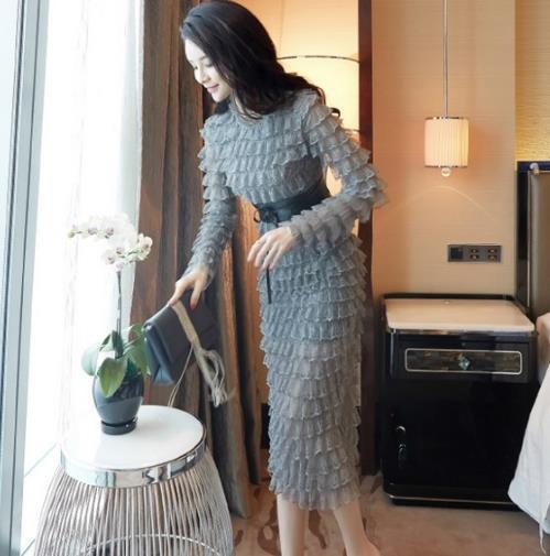 成熟又干练的6套一步裙搭配 让你轻松展现女性的身材和魅力-第3张图片-爱薇女性网