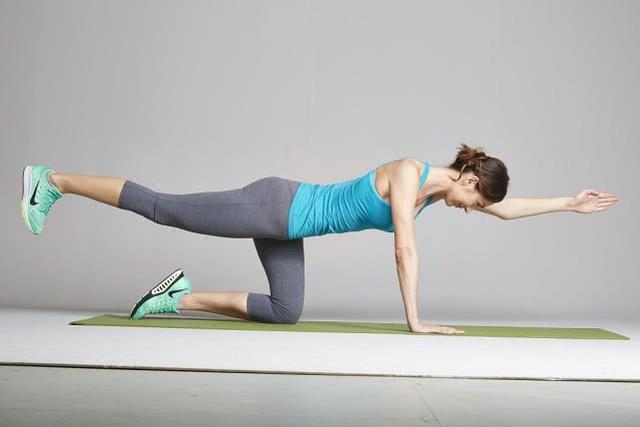 在家如何高效提臀瘦腿?5个动作,帮你塑造完美身材-第3张图片-爱薇女性网