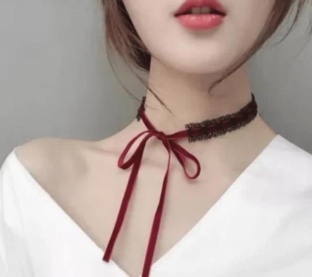 """女生脖子上绑的""""带子""""是干嘛用的,网友:真是涨知识-第2张图片-爱薇女性网"""