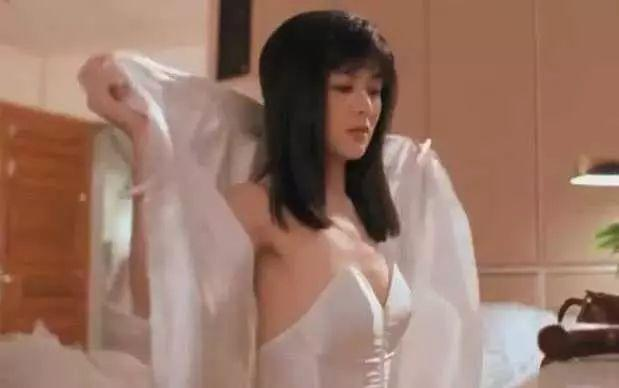 关之琳巅峰时期的颜值,当年出场那刻,碾压多少女星啊!-第1张图片-爱薇女性网