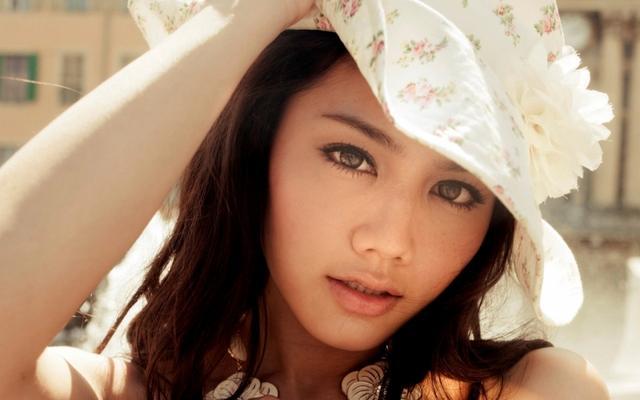 嫩模周秀娜曾大胆性感写真,用演技征服了观众-第1张图片-爱薇女性网