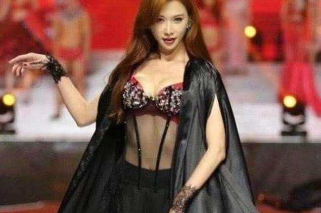 关晓彤接手林志玲的内衣广告,画风大变,含而不露引吐槽-第3张图片-爱薇女性网