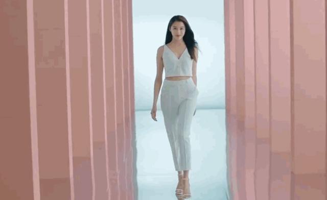 关晓彤拍内衣广告,与林志玲对比鲜明,太保守被吐槽-第2张图片-爱薇女性网