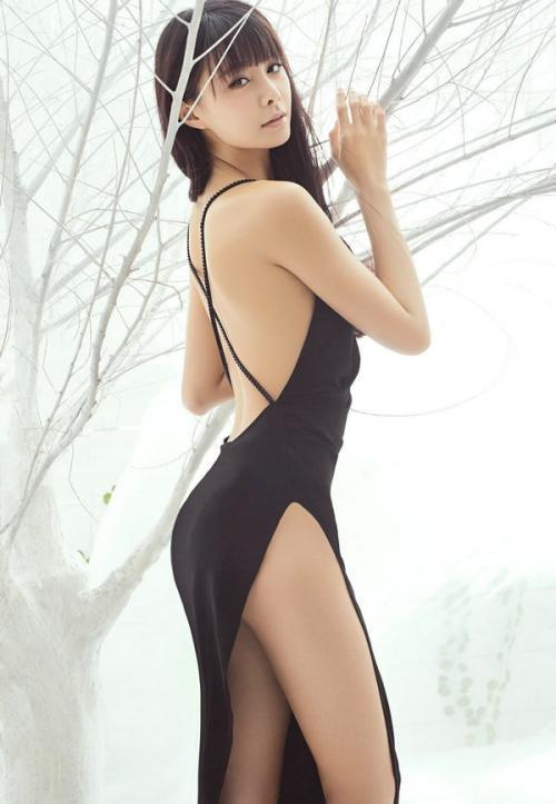 沈梦辰登《男人装》被封宅男女神,好身材尽显无遗-第4张图片-爱薇女性网