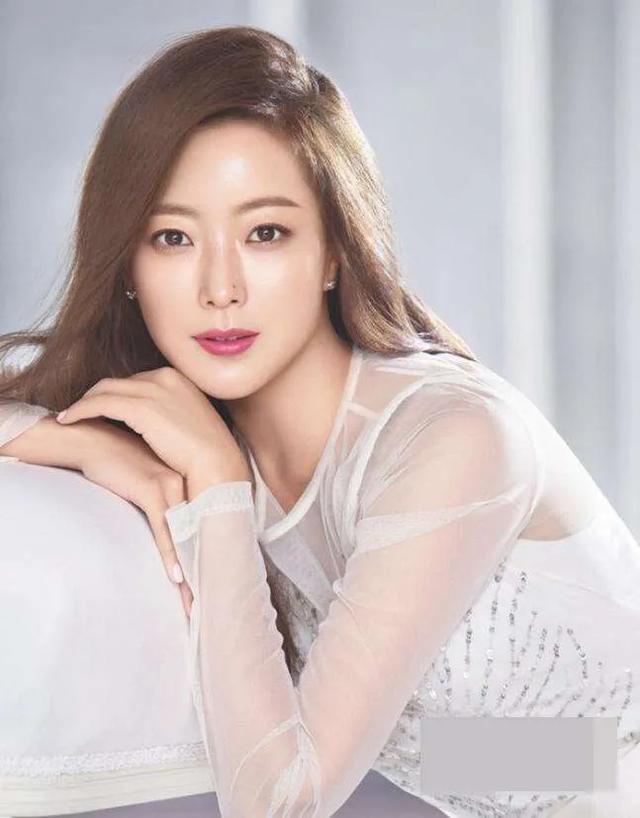 韩国公认的五大美女明星,金妍儿第五,宋慧乔第二,第一名天然美-第1张图片-爱薇女性网