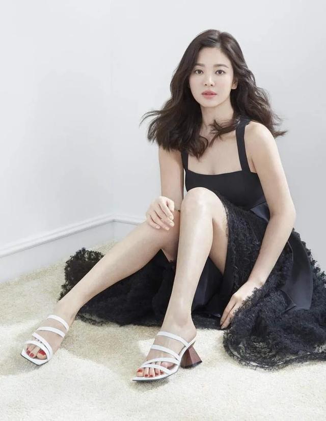 韩国公认的五大美女明星,金妍儿第五,宋慧乔第二,第一名天然美-第3张图片-爱薇女性网