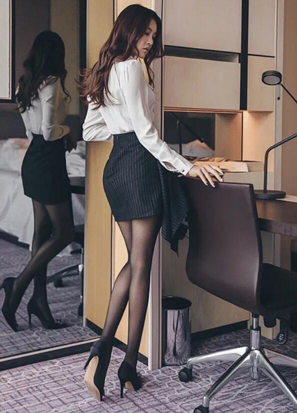 韩国公认的五大美女明星,金妍儿第五,宋慧乔第二,第一名天然美-第4张图片-爱薇女性网