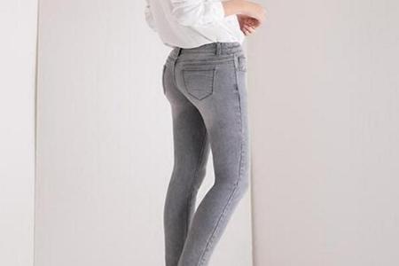 灰色鞋子搭配什么颜色裤子,这三种搭配简约舒适视觉时尚感-第1张图片-爱薇女性网