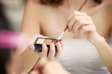 日常的正确化妆顺序先做日常,日常化妆的五个正确步骤-第3张图片-爱薇女性网
