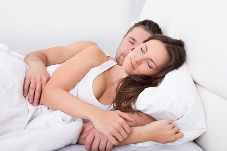 夫妻生活后不能做哪些事情,夫妻生活后男人做这三件事很伤身体-第1张图片-爱薇女性网