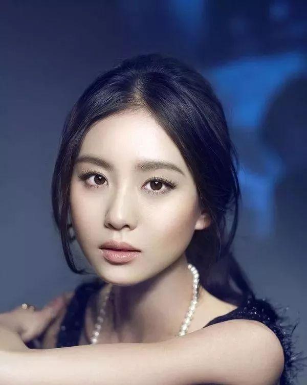 娱乐圈中公认长得漂亮却无绯闻的5大女星-第5张图片-爱薇女性网