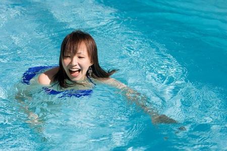 夏天游泳需要注意哪些事项?这5个禁忌要避开防止意外发生-第1张图片-爱薇女性网
