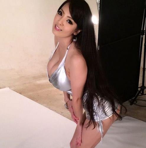 日本胸部最大的AV女优排行榜,盘点7个超大罩杯女优-第2张图片-爱薇女性网