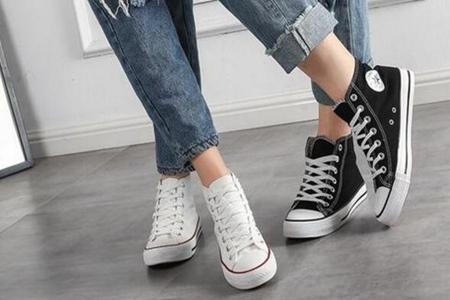 夏季穿高帮帆布鞋怎么搭配,三款穿搭时尚休闲又有范-第1张图片-爱薇女性网