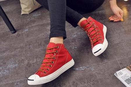 夏季穿高帮帆布鞋怎么搭配,三款穿搭时尚休闲又有范-第2张图片-爱薇女性网