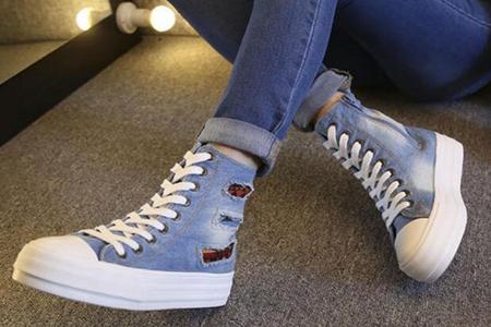 夏季穿高帮帆布鞋怎么搭配,三款穿搭时尚休闲又有范-第3张图片-爱薇女性网