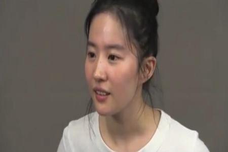 花木兰试镜视频,刘亦菲素颜上镜-第2张图片-爱薇女性网