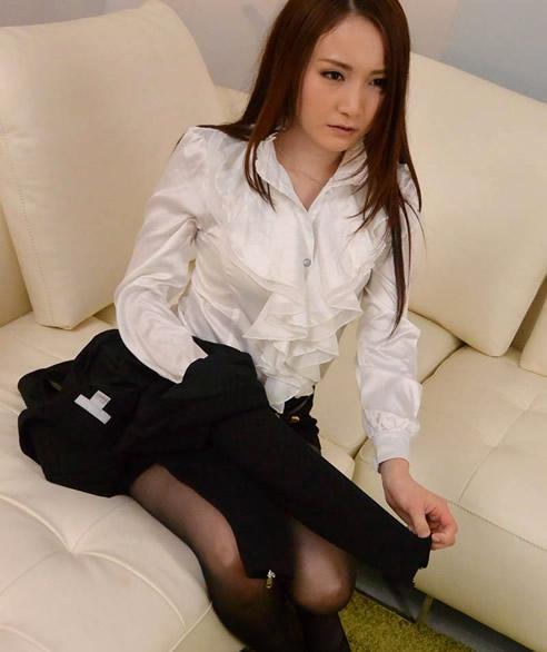 身材好有看点的10位日本av女优精选:完美身材女优排行榜-第5张图片-爱薇女性网