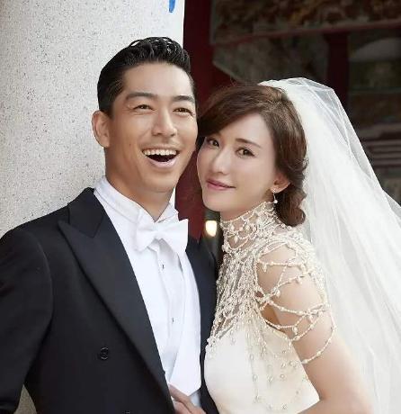 林志玲嫁到日本不到一年,膝盖骨上的淤青,网友看了表示很心疼-第1张图片-爱薇女性网