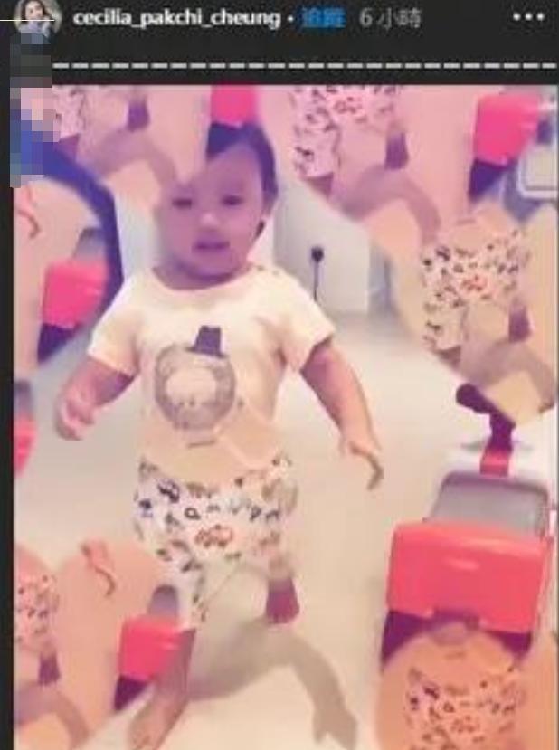 张柏芝三胎小儿子正面照曝光,长相可爱,亲爸是谁一目了然-第3张图片-爱薇女性网