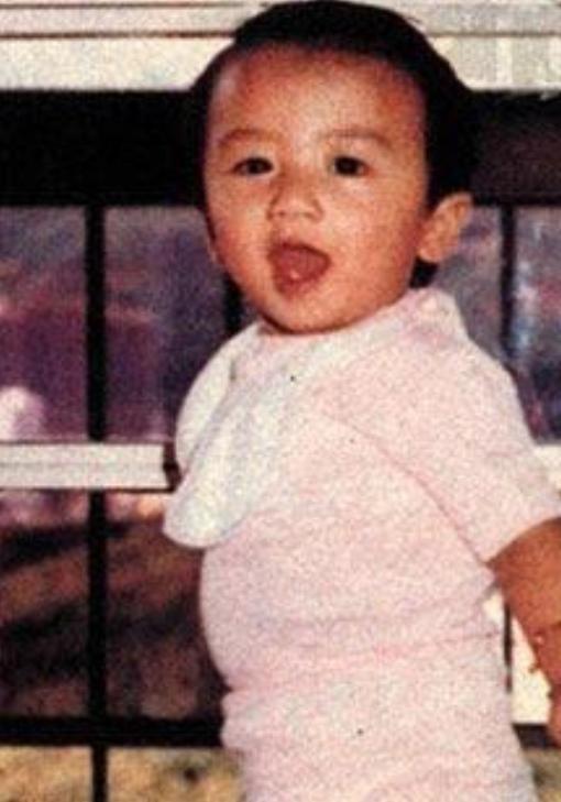 张柏芝三胎小儿子正面照曝光,长相可爱,亲爸是谁一目了然-第4张图片-爱薇女性网