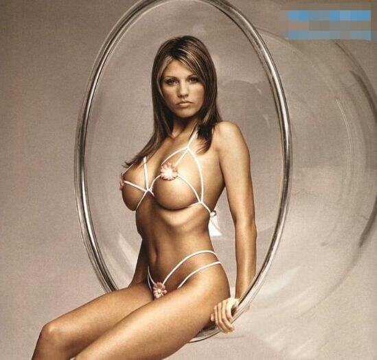 比一根线还小的比基尼美女走秀,看了喷鼻血-第3张图片-爱薇女性网