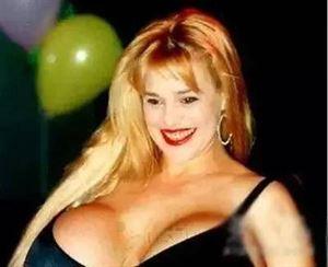 世界胸部最大女人排行榜:盘点8个胸围逆天的女人-第6张图片-爱薇女性网