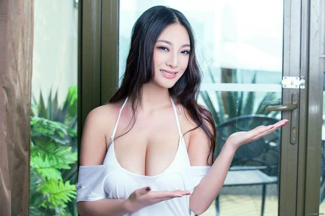 盘点中国十大乳神排行榜,注意不要流鼻血-第2张图片-爱薇女性网