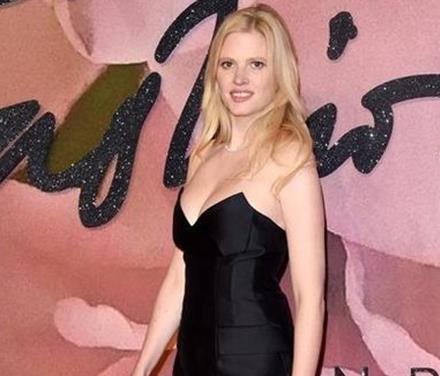 胸部最美的女人:世界最美胸部排行榜-第1张图片-爱薇女性网