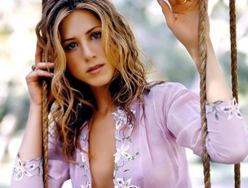 胸部最美的女人:世界最美胸部排行榜-第4张图片-爱薇女性网