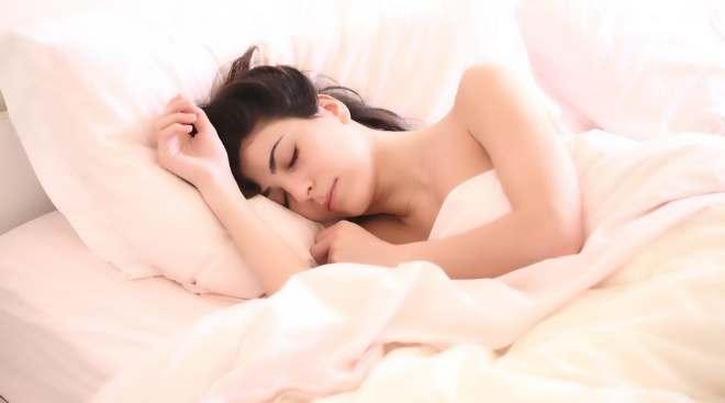 女人裸睡有哪些好处?裸睡需要注意些什么-第2张图片-爱薇女性网