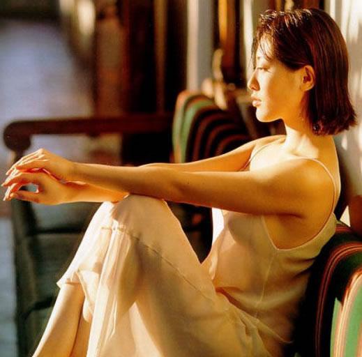 亚洲第一美胸杨思敏(神乃麻美),看一眼就足以让人难忘-第7张图片-爱薇女性网