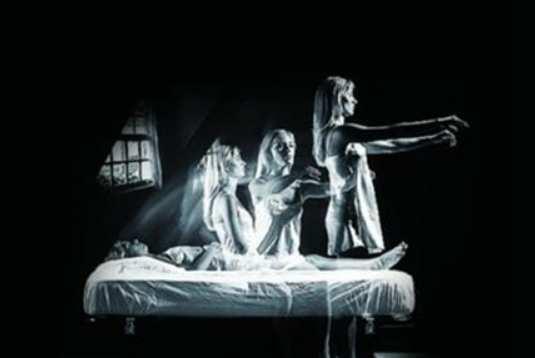 爱因斯坦对鬼的解释:鬼魂只不过是人的脑电波-第4张图片-爱薇女性网