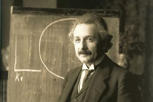 爱因斯坦对鬼的解释:鬼魂只不过是人的脑电波-第5张图片-爱薇女性网