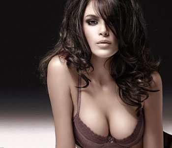 女人丰胸秘籍!强效按摩法帮你打造诱人美胸-第2张图片-爱薇女性网