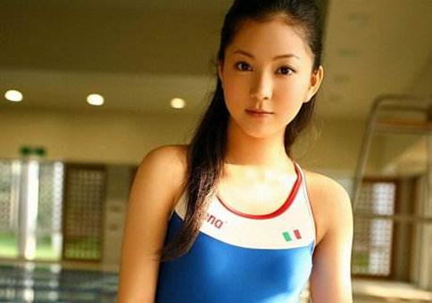 朝鲜美女:盘点10大朝鲜国宝级美女-第4张图片-爱薇女性网