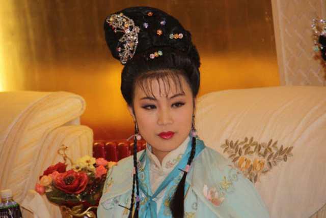 朝鲜美女:盘点10大朝鲜国宝级美女-第5张图片-爱薇女性网