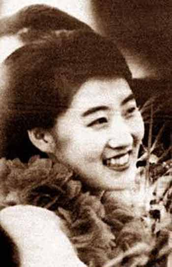 朝鲜美女:盘点10大朝鲜国宝级美女-第9张图片-爱薇女性网
