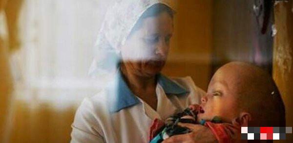 """福岛核泄漏后变异女人,她们生出了""""辐射幽灵""""婴儿-第2张图片-爱薇女性网"""