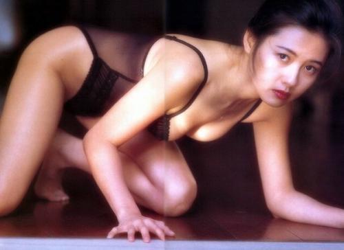 盘点李丽珍演过的三级片电影,三点全露亲身上阵打真军-第5张图片-爱薇女性网