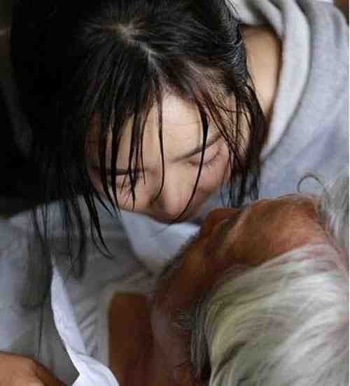 裴涩琪演过的三级片有哪些?裴涩琪大尺度电影盘点-第3张图片-爱薇女性网