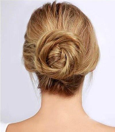女人过了中年发型难选?看看这几款,让你愈来愈年轻又优雅-第3张图片-爱薇女性网