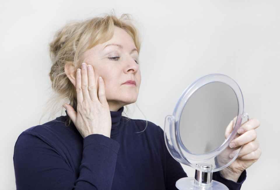女人延缓衰老要养成哪些好习惯,说说人体哪些部位先出现衰老-第3张图片-爱薇女性网