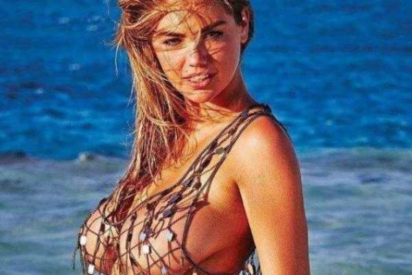 世界上最漂亮的胸部:苏菲·霍华德纯天然34F大胸,曾被评为百大美胸第一名-第3张图片-爱薇女性网