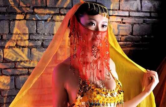冰漪傲人身材图片,人体模特冰漪个人资料介绍-第3张图片-爱薇女性网
