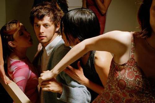 出轨的男人对老婆还有兴趣吗?男人出轨后的心理是什么-第3张图片-爱薇女性网