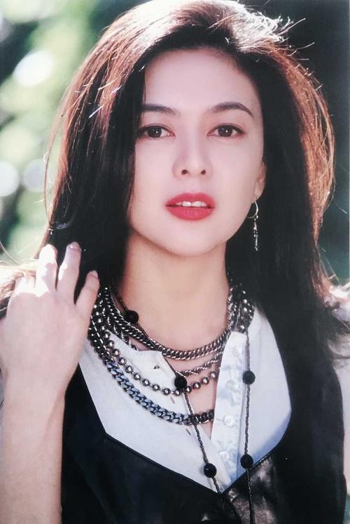 巅峰时期的香港十大女星:个个神仙颜值美到窒息-第3张图片-爱薇女性网