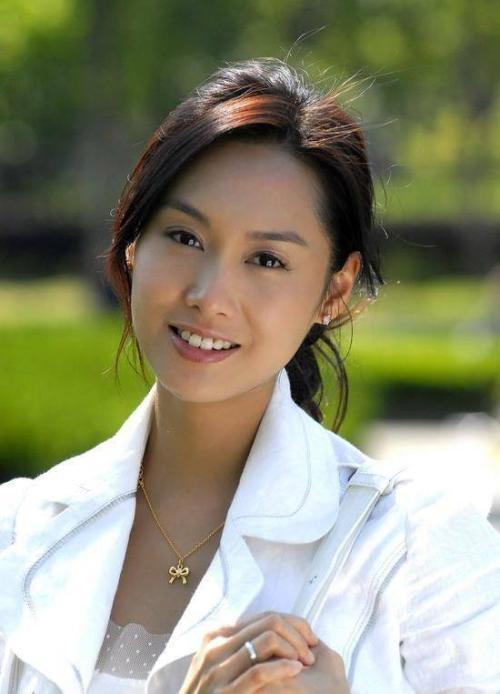 巅峰时期的香港十大女星:个个神仙颜值美到窒息-第7张图片-爱薇女性网