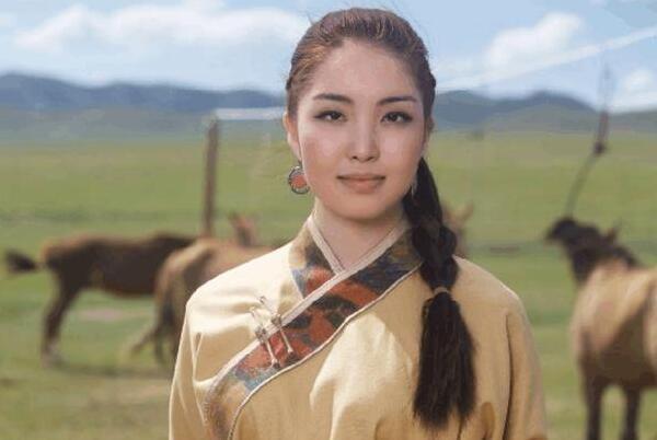 蒙古国女人床上厉害吗?生活所迫只为谋生-第1张图片-爱薇女性网