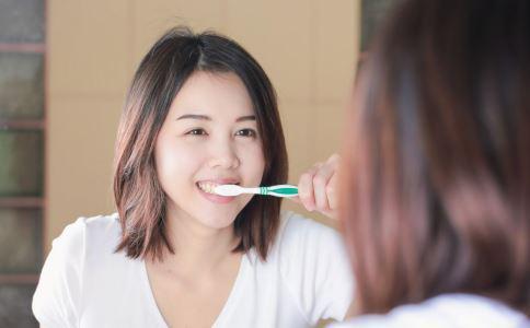 维持口腔健康不可以只靠刷牙,你还得坚持做好这5件事-第2张图片-爱薇女性网